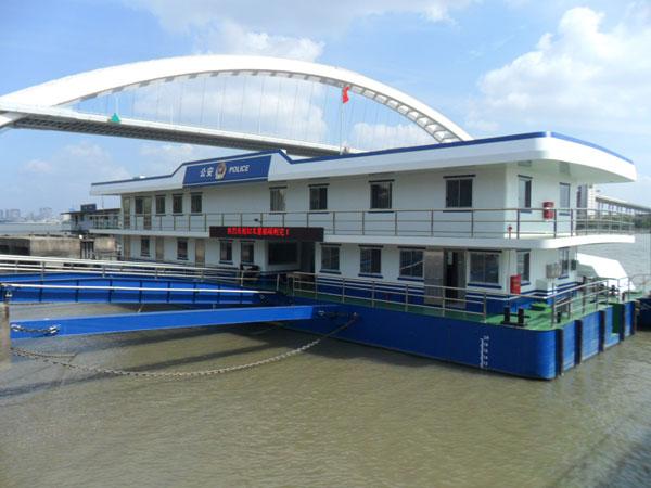32米公安躉船