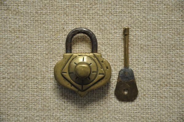 挂锁-心形螺纹结构挂锁