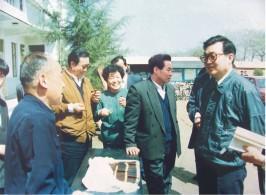董事长高长社和李长春