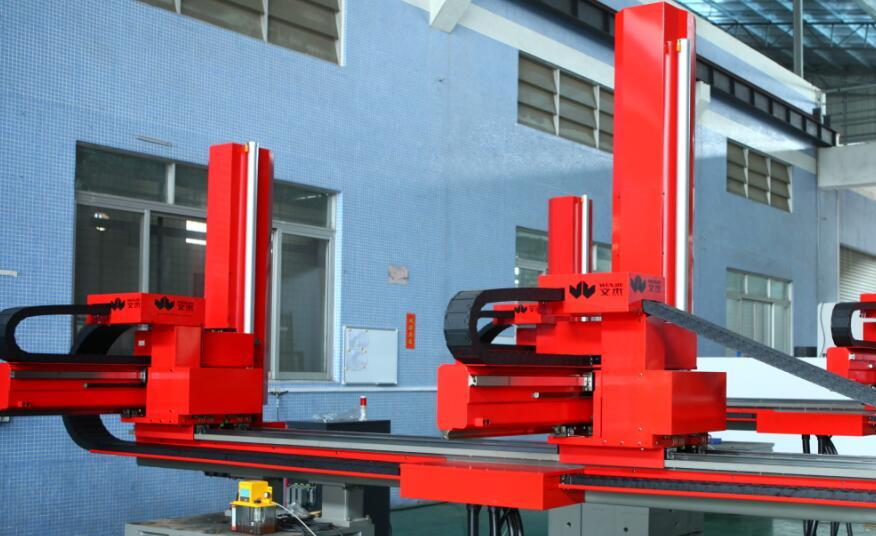 佛山文杰推出配搭4000T压铸机的线性机器人