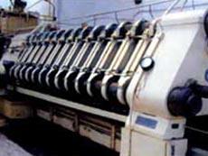研磨系统采用荷兰威诺公司的高精研磨机