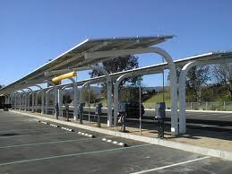 太阳能车库