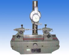 Gear radial beat measuring instrument