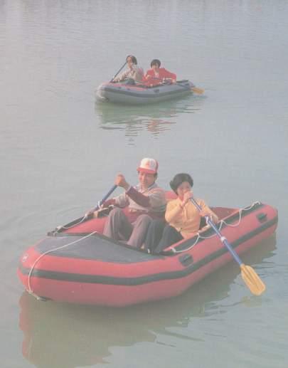 休闲运动艇