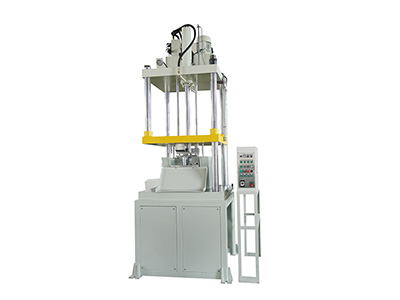 精锐系列:三柱配机器人油压切边机