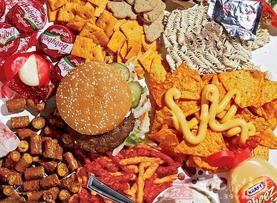 对抗肥胖问题 抵制垃圾食品从改变包装做起
