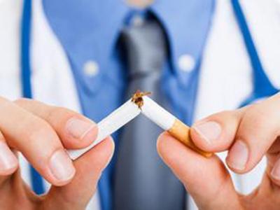 """研究:吸烟影响饮食健康 让人爱上""""重口味""""食物"""