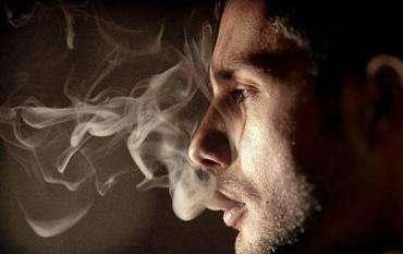 美研究:吸烟、饮酒等可能导致骨质疏松