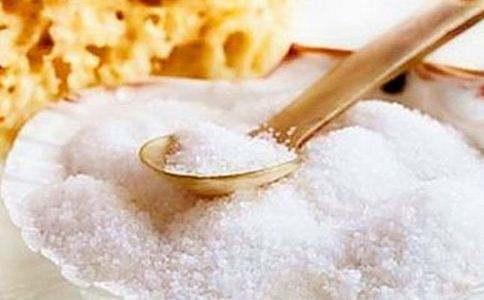 每天食盐摄入量应不超过6克,这9种食品,多吃一点盐就超标